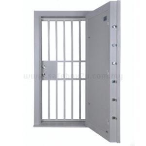 Falcon Grille Gate